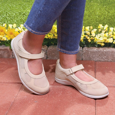 Drew® Delite For Women - Bone Nubuck/Mesh