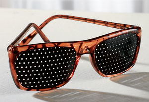 CLIP-ONS - EYEWEAR FOR DIFFERENT PEOPLE | Paris Optique