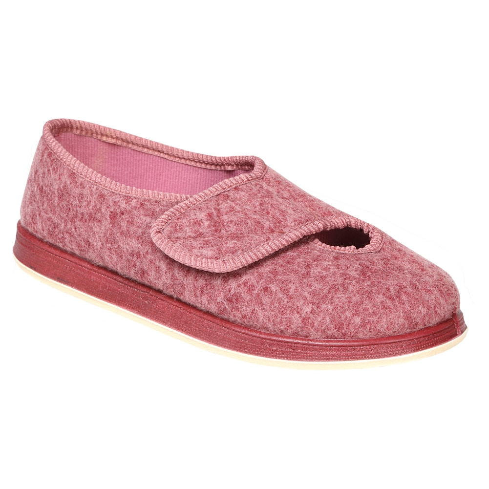 e68802baea31 Buy Foamtreads Women s Kendale SLIPPER Dusty Rose 9 W US online